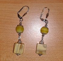 yellow pearl and cube earrings by syn-O-nyms