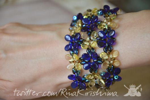 Blue and Yellow Glass Flowers Bracelet by AlterDoll