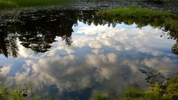 Clouds in the water by Fukuchan-Ryoko