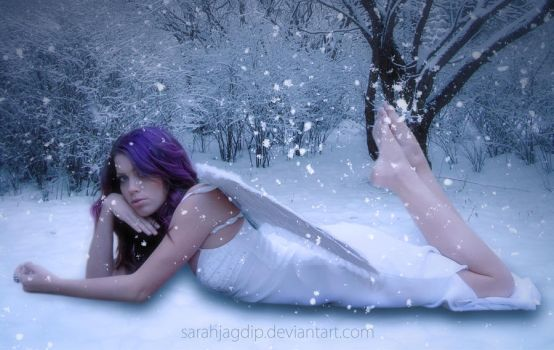 Snow Angel by sarahjagdip