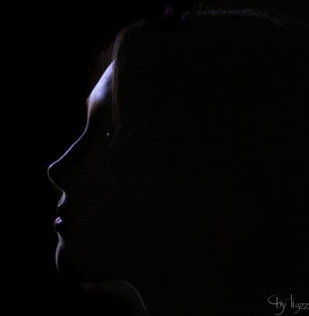 The lines of her face by Tigzz