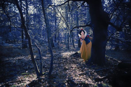 Snow White in the woods by AluotaCosplay