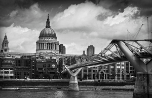 Millenium Bridge by Rustmouth