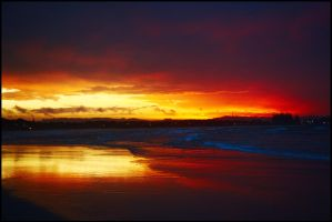 Last light at Byron 2 by wildplaces