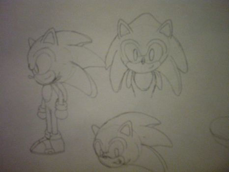 Basic Sonic sketches by CelestOrion