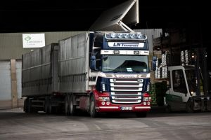 Scania R500 V8 LNTransport by Portos