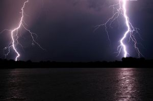 August 25 2006 Lightning by tb0mb
