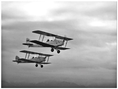 Two Planes by SonnyDeSoma
