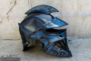 Chaotic helmet by AtelierFantastique
