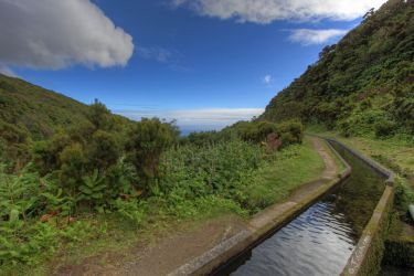 Canal Lagoa do Fogo by Sockrattes