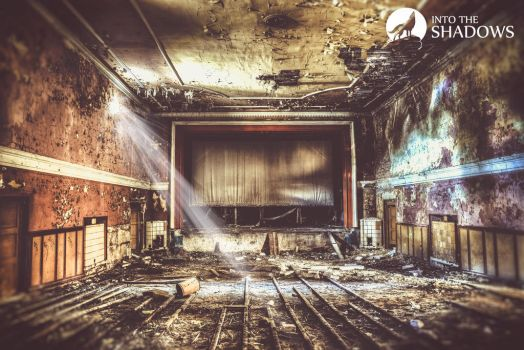 Abandoned cinema by n0timportant1