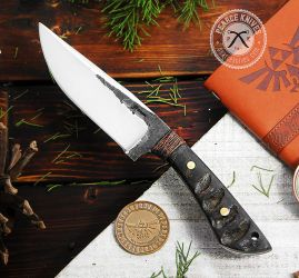 Frontier hunting knife by Logan-Pearce