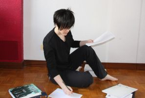 Izaya taking notes by BLooDy-TeaRs-PanThEr