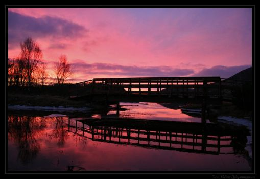 Bridge Over Troubled Water by quanitz