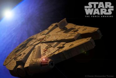 Millennium Falcon - Star Wars The Force Awakens by torreoso