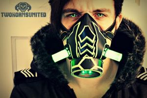 The Arachnica Cyber light up respirator. by TwoHornsUnited