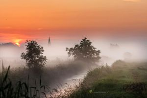 Misty Magic Morning in Holland by Betuwefotograaf