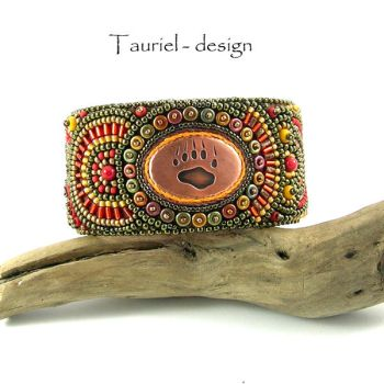 Bear foot steps - Tribal Woman collection by Tau-riel