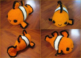 Crochet Clownfish-ish thing by neonjello17