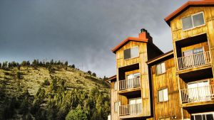 Mountain lodge by herbalcell
