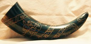 Bayeux Tapestry Drinking Horn by Namingway