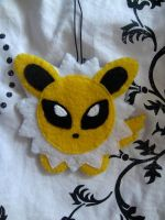 con tag: jolteon by lulukohime