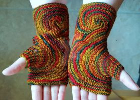 Winter Mitts by FearlessFibreArts
