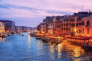 When the sun goes down in Venice by LinsenSchuss