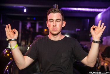 Hardwell by To-United