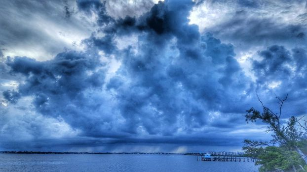 Storm Clouds by ecfield