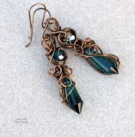 Emerald Green wire wrapped earrings by IanirasArtifacts