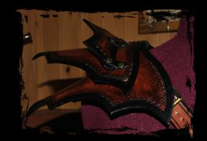 leather armor shoulder by Lagueuse