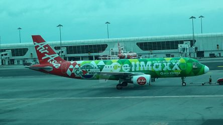 AirAsia Aircraft with CellMaxx Livery by IngeniusBrilliance