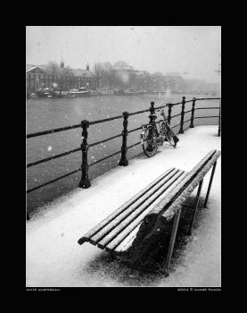 white amsterdam by peitxon