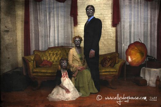 Anubis2pabon288 23 6 zombie family portrait by ellysdoghouse