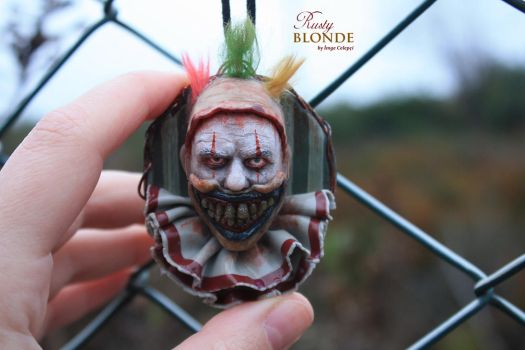 Twisty The Clown ( American Horror Story ) pendant by imge
