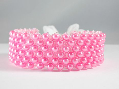 Bubble Gum Pink Glass Pearl Beaded Bracelet by iceblulady
