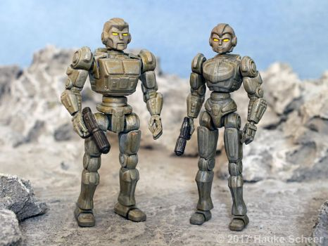3D printed male and female robots 3 3/4 inches by hauke3000