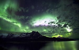 northern lights by Seanbean80