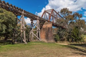 Rail Bridge, Yass by TarJakArt