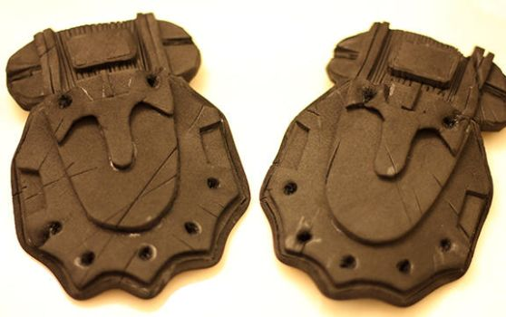 Sofia's Hand plates from Gears of War: Judgement by PaleFunnyGhost