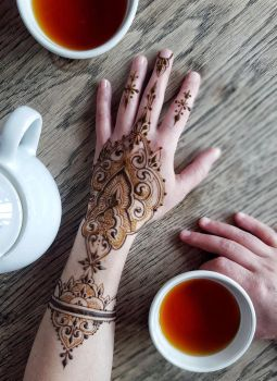 Roibos tea and henna for everyone by cydienne