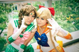 Sailor Jupiter + Sailor Venus by noshuu
