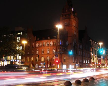 Berlin by night by photogrifos