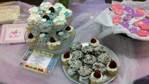 Cup Cakes by Zanowin