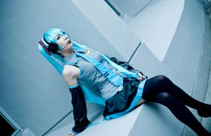 Hatsune Miku 01 -Blue by Thelindra