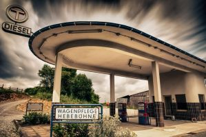 Tankstelle 1 by wolfgangbuhr