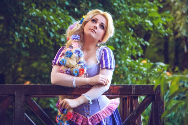 Rapunzel cosplay by MilenaHime