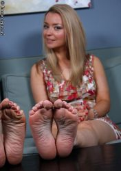 Diana-Dawson-Feet-2418244 by Fetish4You