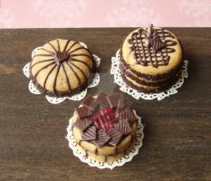 Various Tiny Cakes by PetitPlat
